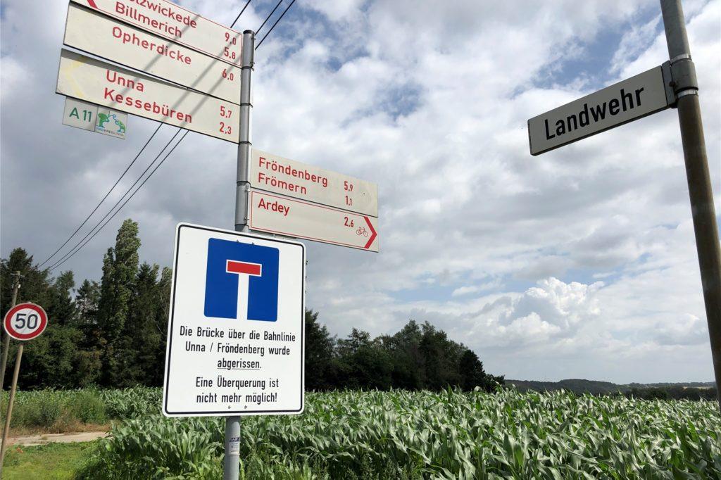 Die Kessebürener Landwehr ist seit neun Jahren eine Sackgasse. Die Bürger Kessebürens, die hier wohnen, kommen nur über Frömern oder die Hubert-Biernat-Straße zu ihren Häusern.