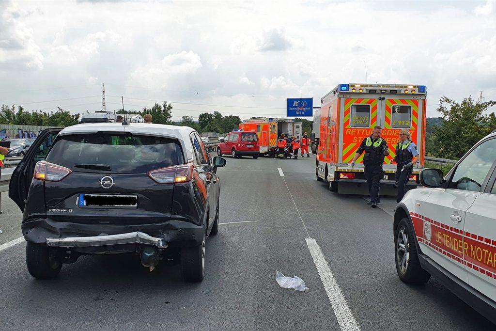 Insgesamt drei Fahrzeuge waren in den Auffahrunfall verwickelt.