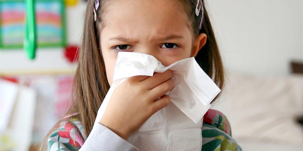 Viele Kitas schicken auch bei leichten Erkältungssymptomen Kinder nach Hause. Dortmunder Eltern sind mit dieser Regelung unzufrieden.