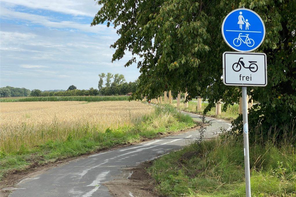 Betroffen ist der Geh- und Radweg in Richtung Werne aus Herbern kommend zwischen den Querstraßen Hagenbuschweg und Zollstraße.