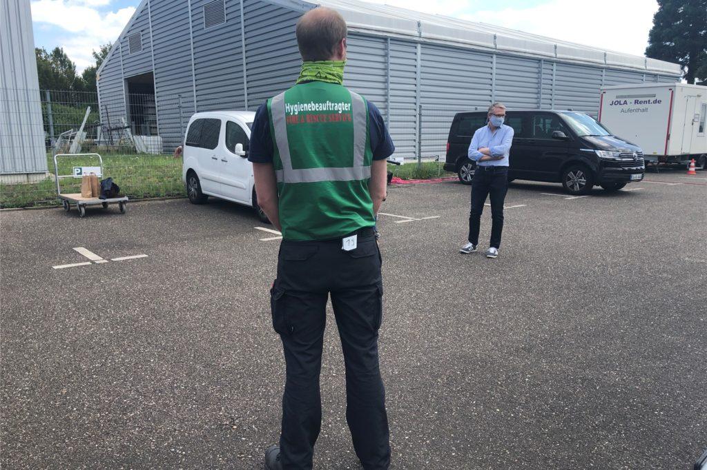 Der Hygiene-Beauftragter ist am Set für den Dortmund-Tatort immer zugegen und passt auf, dass alle Vorschriften eingehalten werden.