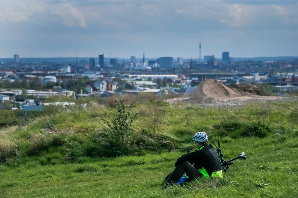 Der Deusenberg bietet eine tolle Aussicht auf Dortmund - und eine Strecke für Mountainbiker.
