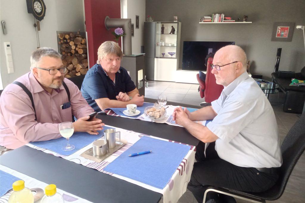 Die AfD steht vor der Nachwahl des Vorstands – hier Kreisvize Ulrich Lehmann, Kreissprecher Peter Knepper und Pressesprecher  Hans-Otto Dinse (v.l.).