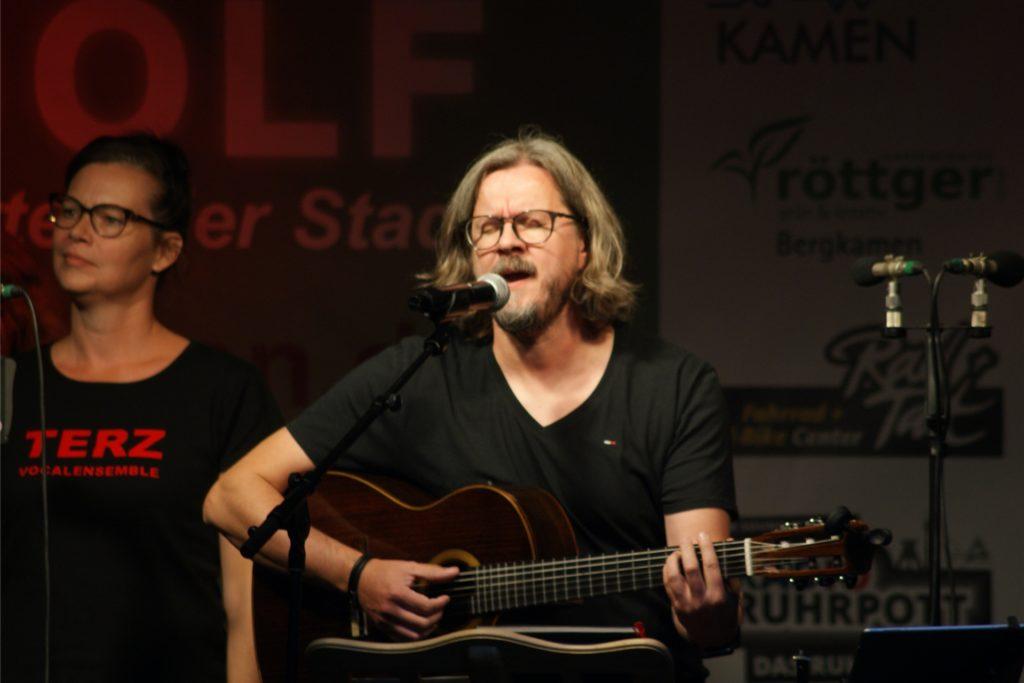 """Viele Musikprojekte hat Terz in seinen 30 Jahren hervorgebracht. Leif Dryden erzählt von seinem Schaffen bei der Unnaer Band """"Voices of Town"""" und hat auch ein Lied von dort mitgebracht."""