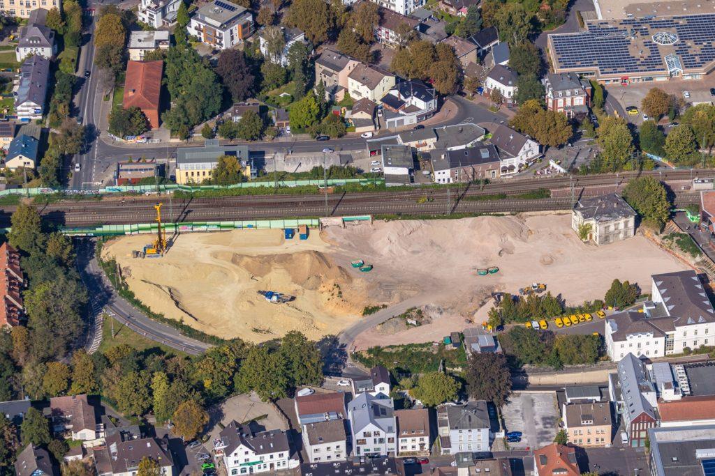 Aus der Luft ist es gut zu erkennen: Das Gelände der ehemaligen Mühle Bremme wird für den Bau des Einkaufszentrums vorbereitet.