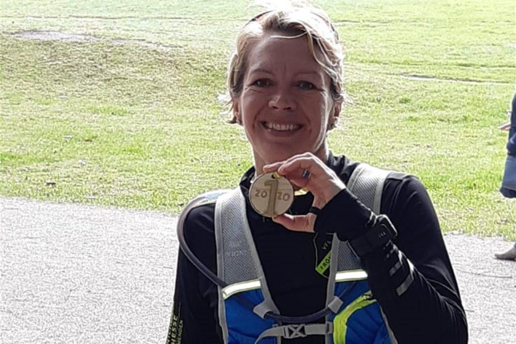 Auch Iris Hohmeyer begab sich für ihren Halbmarathon ganz alleine auf die Strecke. Zur Unterstützung kam die Familie an den Lippesee.