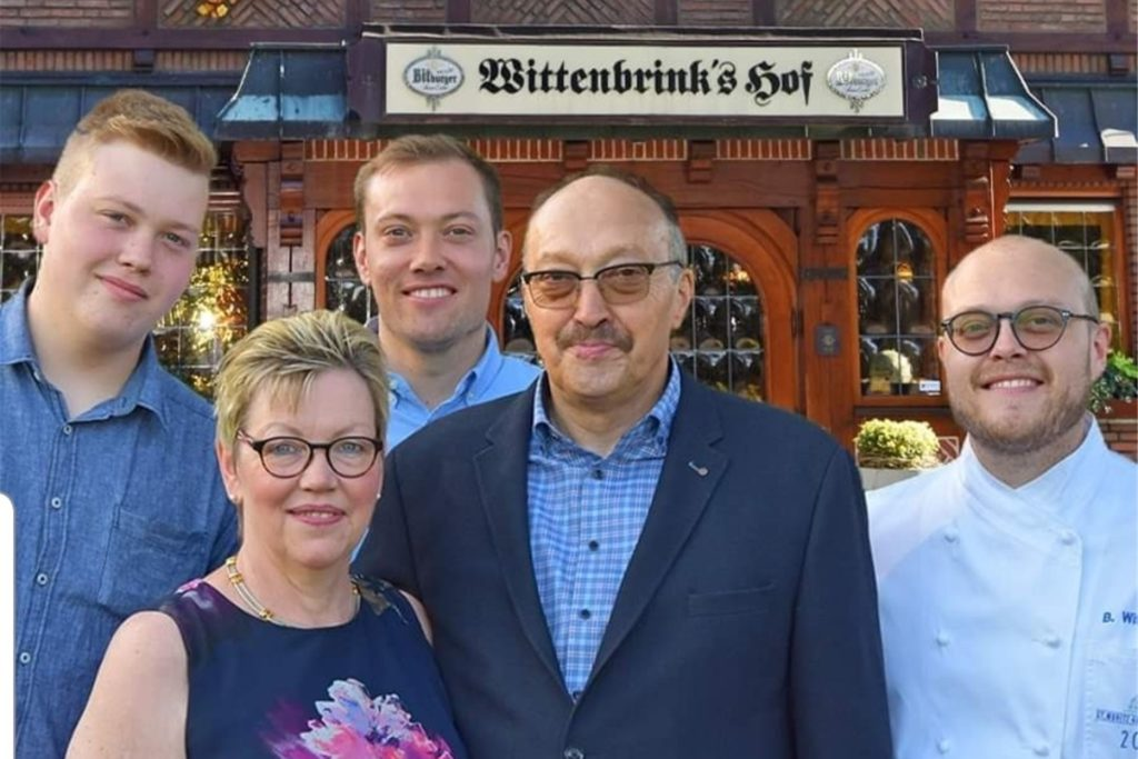 Die Familie Wittenbrink: Gerda und Heinz (vorne) mit Söhnen Johannes, Hendrik und Bernhard (v.l.n.r.)