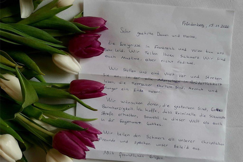 Zwei Muslime zeigten sich am Volkstrauertag solidarisch mit den Christen: Die beiden Männer lasen in der Fröndenberger Stiftskirche einen Brief vor, in dem sie die islamistischen Terroranschläge bedauern.