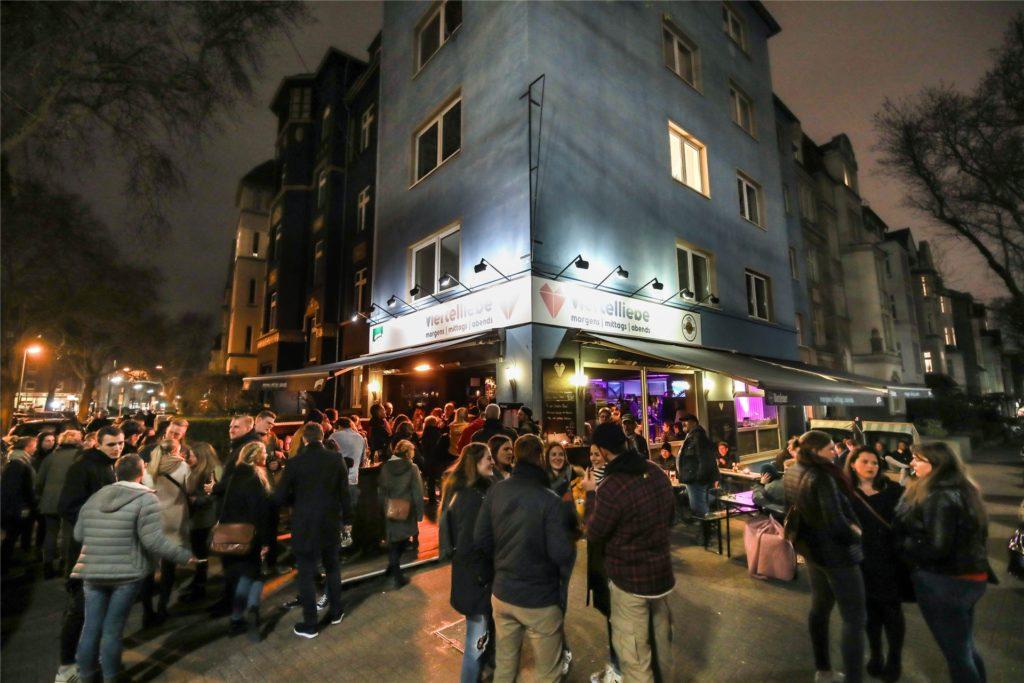 """Monatelang stand das alte """"Viertelliebe"""" leer - im Februar zieht """"Babuschkas Kitchen"""" ein in die Räume an der Kreuzstraße."""