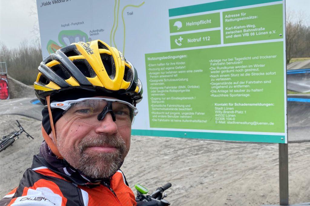 Mountainbiker Martin Glaser war für uns im Bikepark in Lünen-Gahmen unterwegs. Im Video zeigt er einige der Strecken, auf denen die Radsportler sich austoben können.