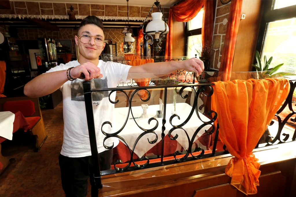 Christos Nikolaidis ist der Sohn von Wirt Dimitros Nikolaidis, der in seinem Restaurant
