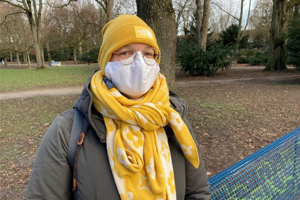 Birgit Rickert ist 47 Jahre alt, Mutter einer sechsjährigen Tochter und arbeitet bei einer Dortmunder Krankenkasse - momentan von zuhause aus.