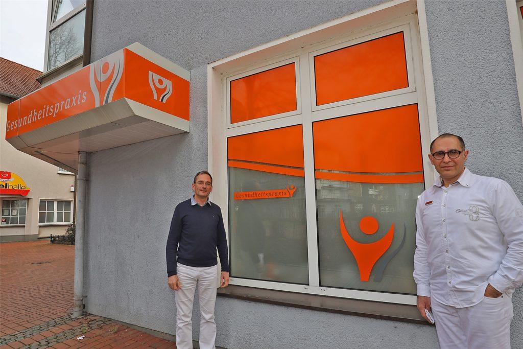 Neuer Arzt in der Praxis des Fröndenberger Kardiologen Dr. Walter Blaß (l.) ist der Chirurg und Viszeralchirurg Dr. Arutyun Arutyunyan.