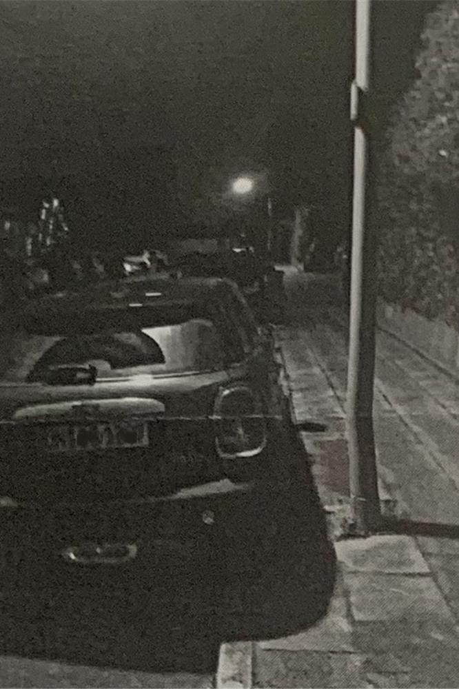 Dieses Foto lag als Beweis einer Jedermann-Anzeige an das Ordnungsamt in Unna bei. Es zeigt ein Fahrzeug, das regelwidrig auf einem Bürgersteig in Billmerich steht.