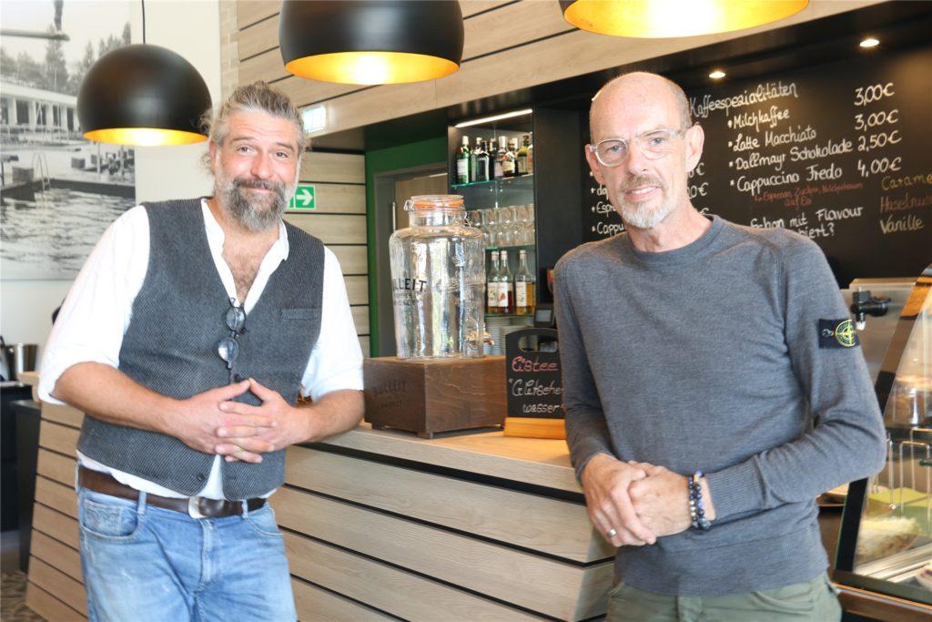 Die beiden Betreiber Björn Lepke (l.) und Falko Husmann hoffen, dass sie ihre Gastronomie im Solebad Werne bald wieder öffnen dürfen.
