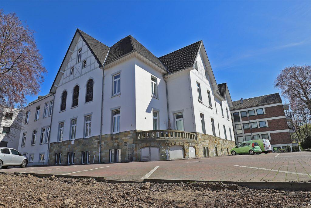 Im Wohn- und Pflegeheim St. Bonifatius an der Mühlenstraße in Unna wurde beschlossen, eine liberale jüdische Gemeinde zu gründen. Früher war das Gebäude auch ein israelitisches Altenheim.