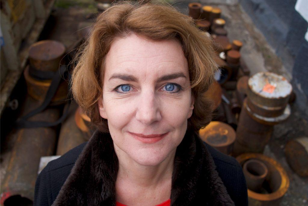 Die in Unna lebende Autorin Anja Hirsch präsentiert am Donnerstag, 11. März, ihren Debütroman im Livestream des Westfälischen Literaturbüros.