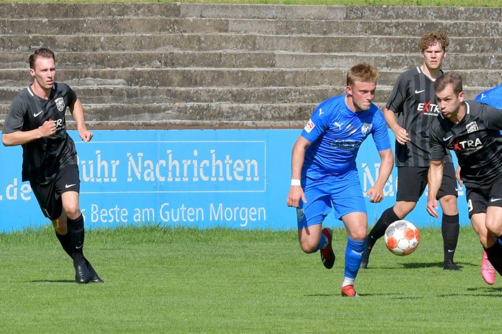 Sebastian Hahne (l.) feierte einen erfolgreichen Einstand beim Lüner SV.