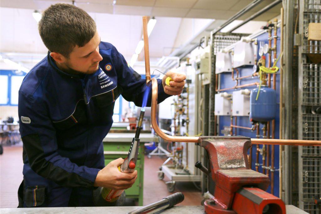 Auszubildende zum Anlagenmechaniker werden aktuell im Kreis Unna noch stark gesucht, berichtet die Handwerkskammer Dortmund.