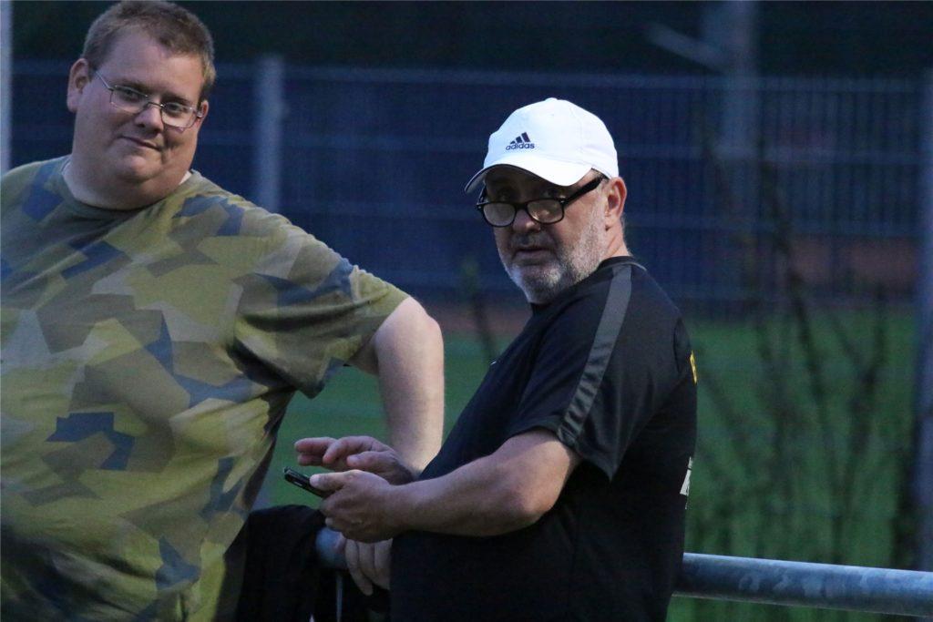Der Ex-Kaiserauer Thomas Fitzner (rechts) ist seit einigen Jahren Sportlicher Leiter beim BV 09 Hamm.