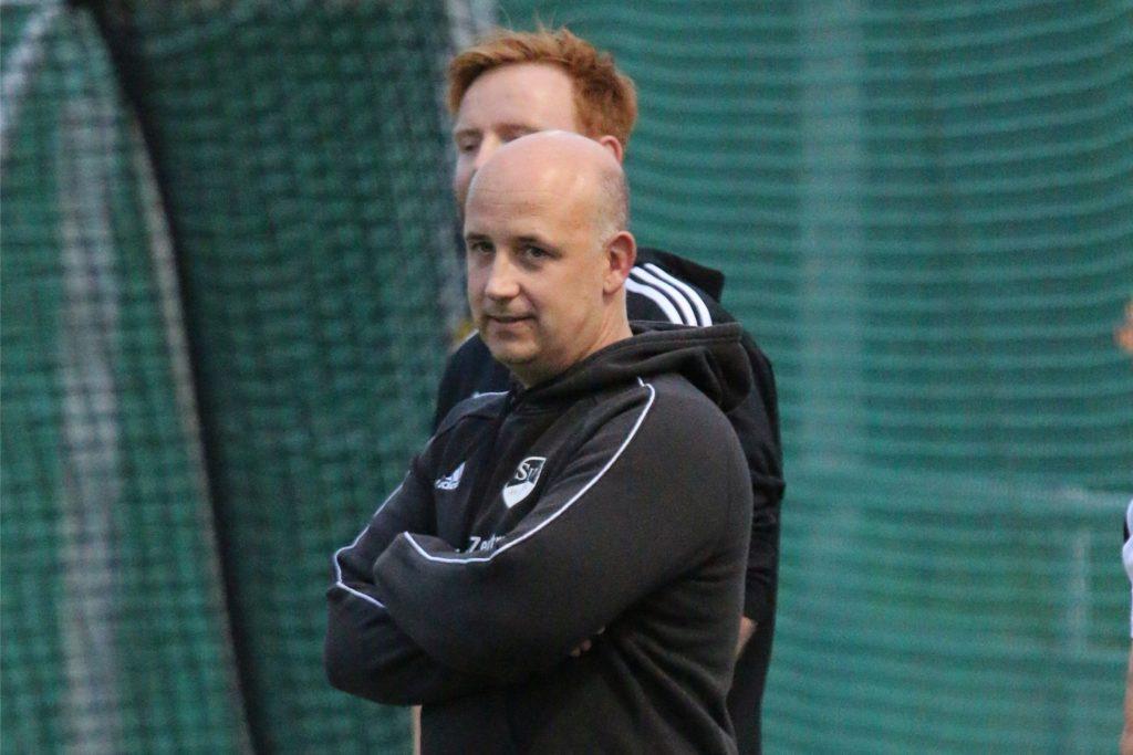 Kaiseraus Trainer Jörg Lange muss in Herne auf einen Großteil seiner Spieler verzichten.